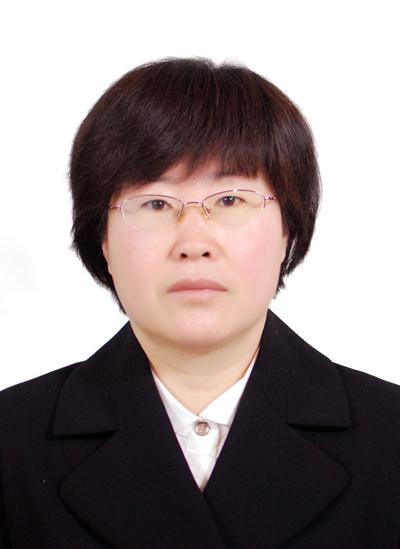 王  飞    注册电气工程师